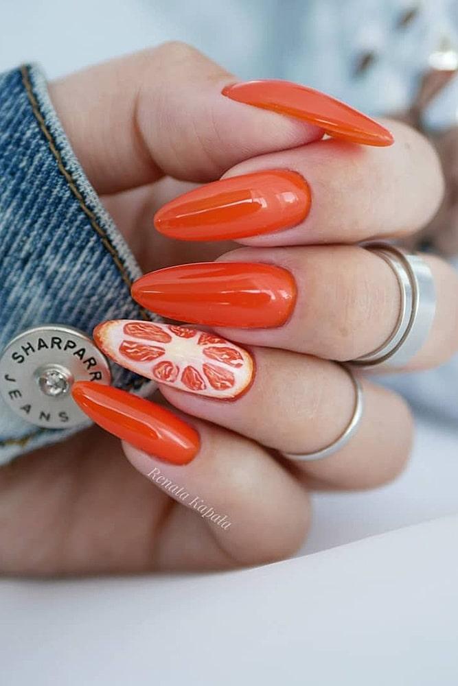 летний маникюр апельсин