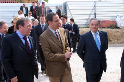 Gerente de Proconsa Joaquin Navarro Salinas con el Alcalde Miguel Ángel Cámara