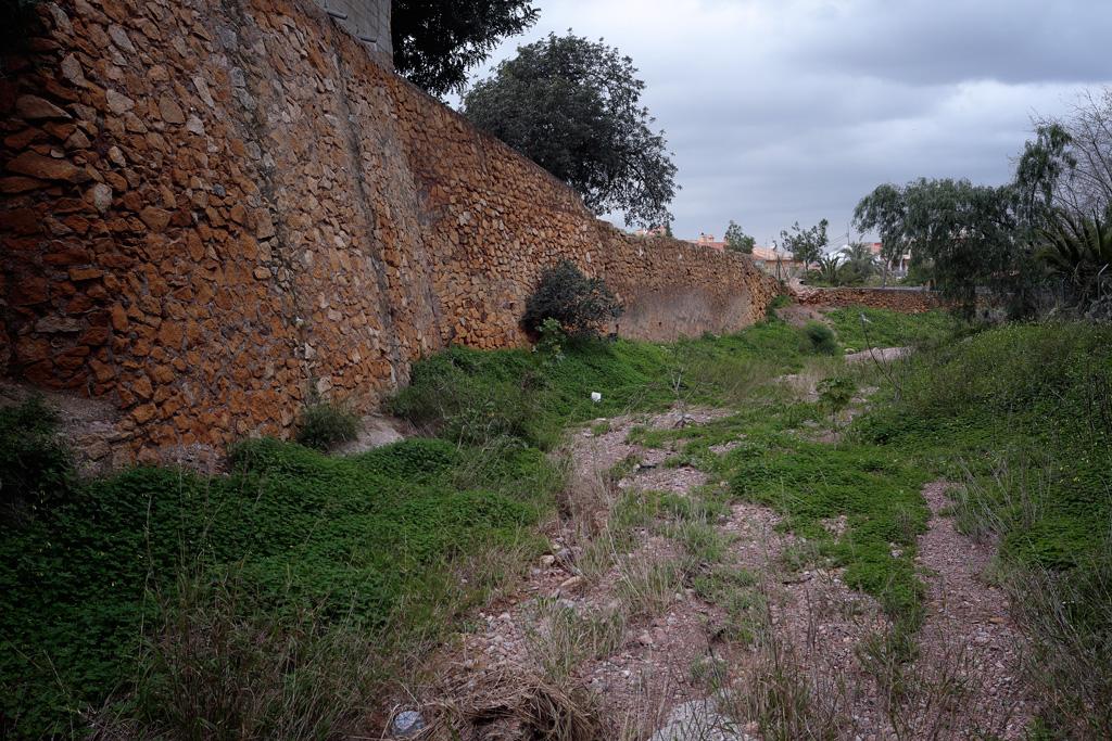 Rambla del sordo - entrada en el pueblo de Santo Ángel
