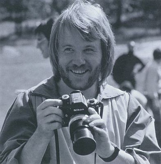 Benny Andersson with a Nikon F 2