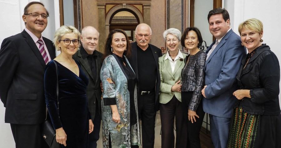 Von links nach rechts: Günther Ofner, Renate Schandl-Bauer, Gerald Bernas, Silvia Lammerhuber, Lois Lammerhuber, Elisabeth Udolf-Strobl, Erna Koprax, Stefan Szirucsek, Helga Krismer.