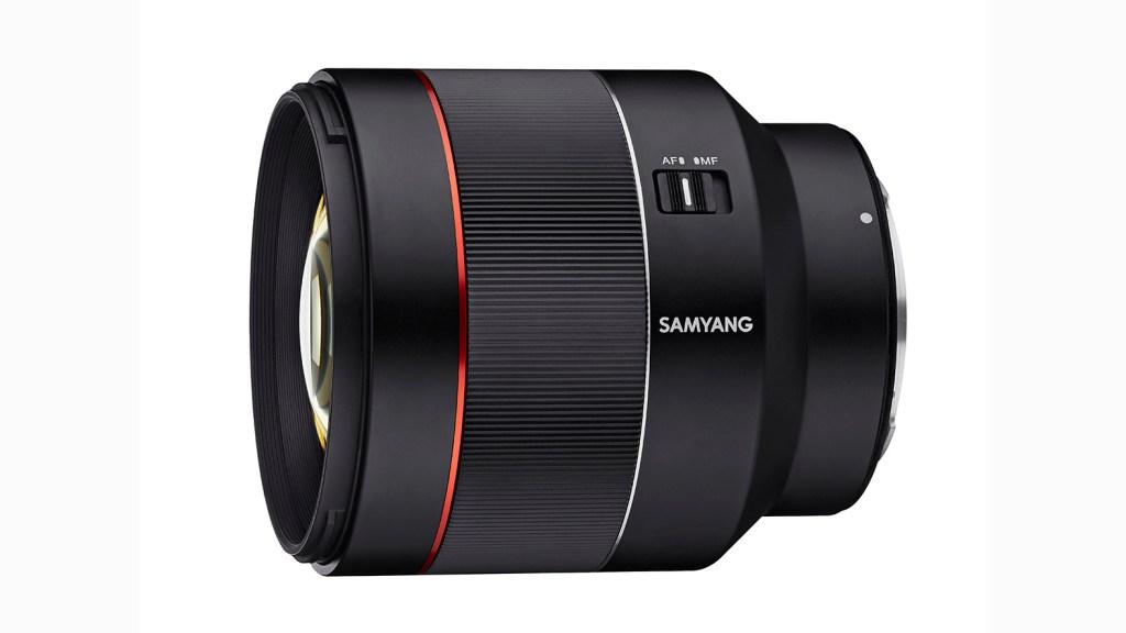 Das Samyang AF 85mm 1.4 RF ist ein kompaktes, leichtes Portraitobjektiv für Canon EOS R und RP.