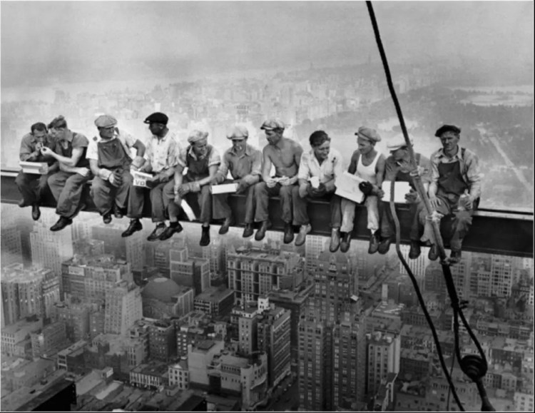 Almuerzo en lo más alto del rascacielos - CHARLES CLYDE EBBETS - 1932