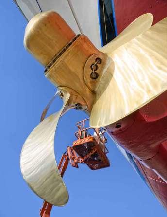 puerto-barco-barcelona-yate-helice