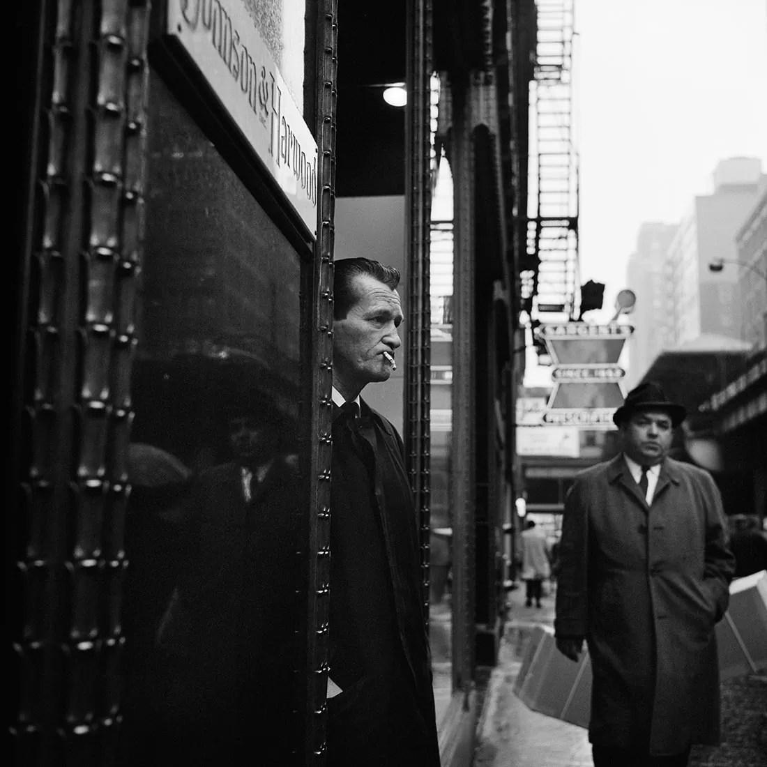 VM1966W01174 04 MC - Una storia Meravigliosa: Vivian Maier (Street Photography) - fotostreet.it