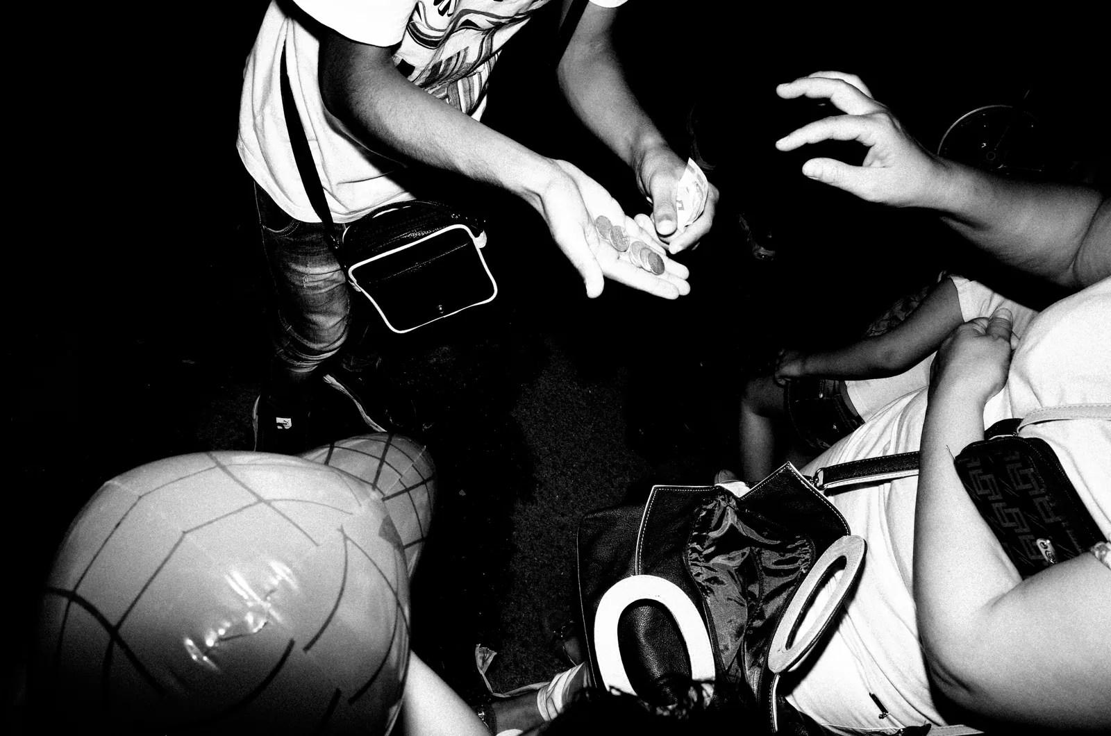 R0020026 - Una Istintiva Sessione Notturna • Street Photography Night Session a Palagonia - Sicilia - fotostreet.it