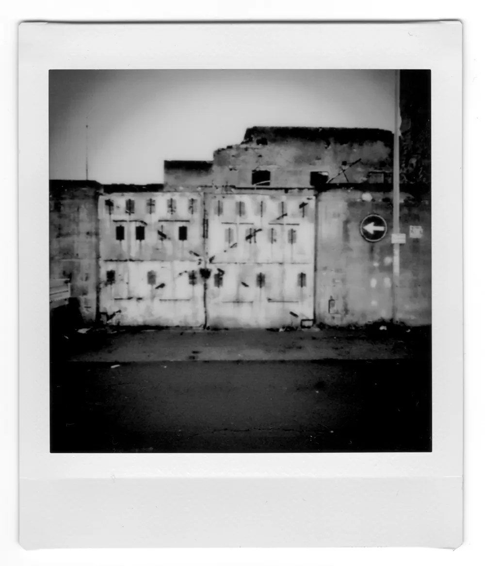 instax andrea scire street photography 2 - Fotografia di Strada, riflessioni sulla materialità perduta - fotostreet.it