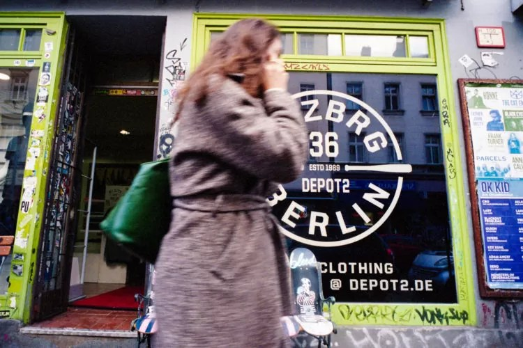berlino portra400 027 750x500 - Berlino Area 36 Street Photography - fotostreet.it
