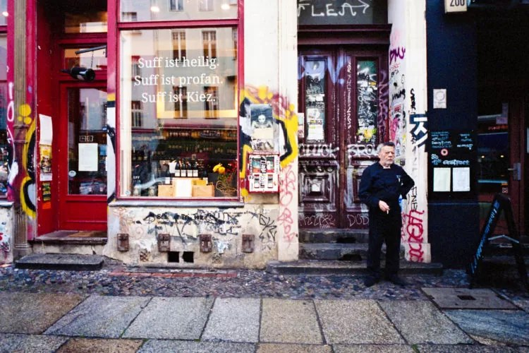 berlino portra400 029 750x500 - Berlino Area 36 Street Photography - fotostreet.it