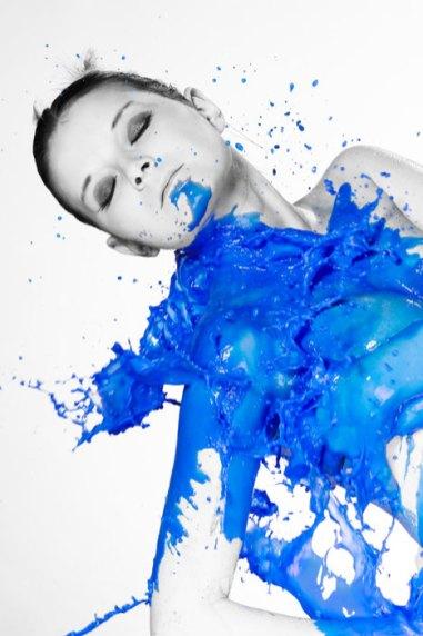 Farbshooting, Farbe, Farbenshooting, liquid, color, außergewöhnlich, speziell, Spezial, Aktion, Shooting, Fotostudio, Studio, Diez, Limburg, Hahnstätten, Holzheim, Fotos, Fotografien, Fotograf, Foto, gefühlsvoll, exklusiv, elegant, extravagant, emotional, gefühlsbetont, schön, modern, Frau, blau
