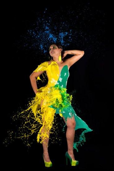 Farbshooting, Farbe, Farbenshooting, liquid, color, außergewöhnlich, speziell, Spezial, Aktion, Shooting, Fotostudio, Studio, Diez, Limburg, Hahnstätten, Holzheim, Fotos, Fotografien, Fotograf, Foto, gefühlsvoll, exklusiv, elegant, extravagant, emotional, gefühlsbetont, schön, modern, Frau, gelb, grün, blau, Kleid, Brasilien, Farbenkleid