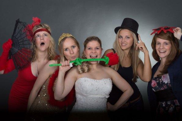 Photobooth, Fotobox, Foto box, Spaß, Partyspaß, Party, Feier, Fotoshooting, Shooting, Fotostudio, Studio, Diez, Limburg, Hahnstätten, Holzheim, Fotos, Fotografien, Fotograf, Foto, extravagant, schön, modern, witzig, professionell, spaßig, fun, Kostüm, verkleidet, Hochzeit