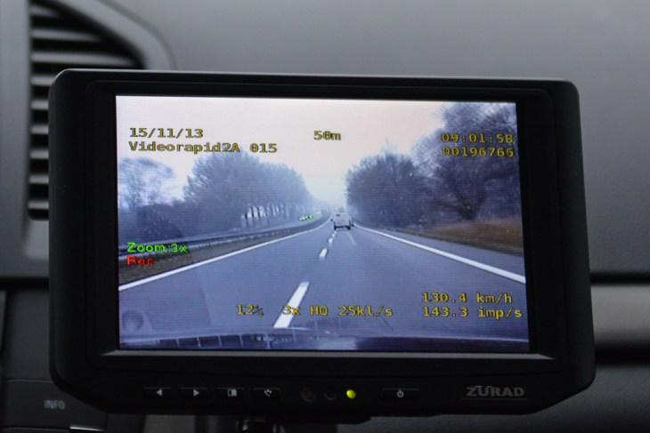 Wideorejestrator w Oplu Insignia- radiowozie, przekroczenie prędkości