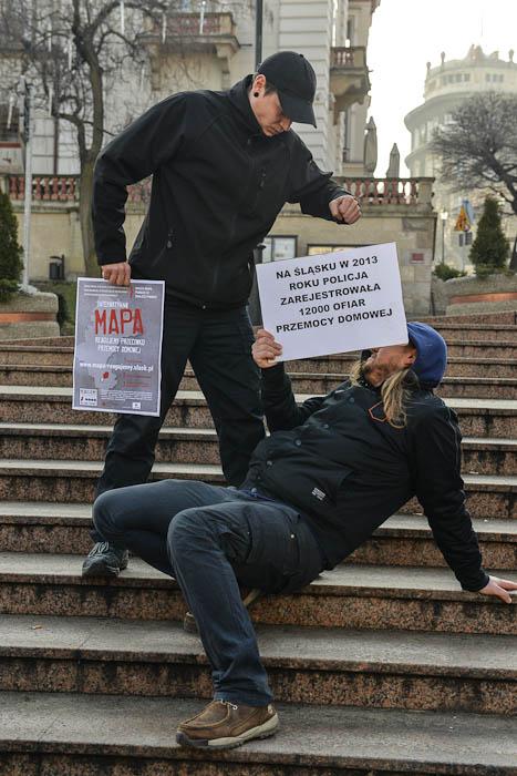 Fotografia z eventu przeciwko przemocy domowej