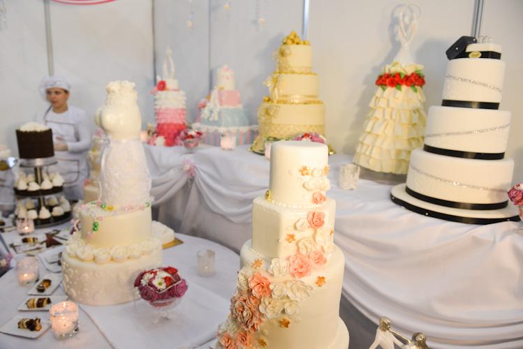 Wybór tortów weselnych na targach ślubnych w Bielsku-Białej
