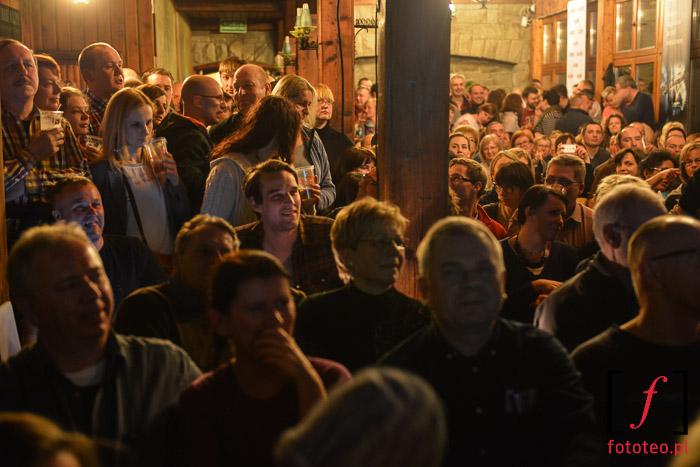 Publiczność na finale Bielskiej Zadymki Jazzowej, schronisko na Szyndzielni