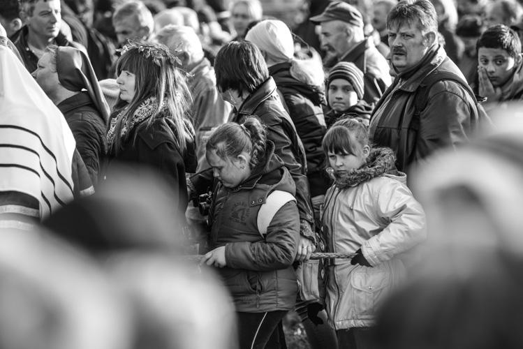 Dzieci podczas drogi krzyżowej