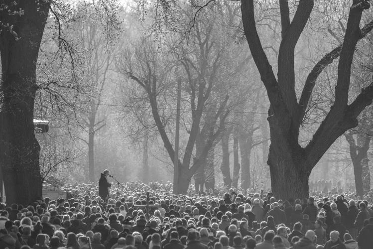 Tłum podczas kazania