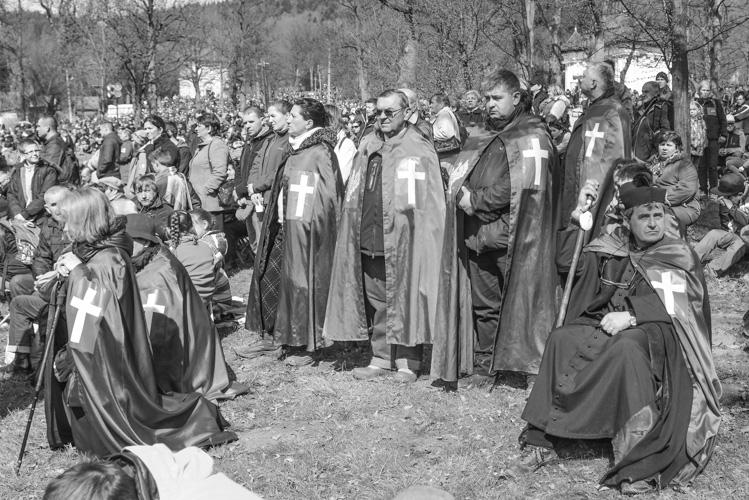 Ksiądz Natanek ze swoimi zwolennikami
