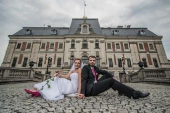 Magra i Karol podczas pleneru ślubnego. Zamek w Pszczynie