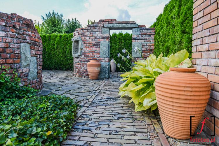 Ogród w stylu śródziemnomorskim