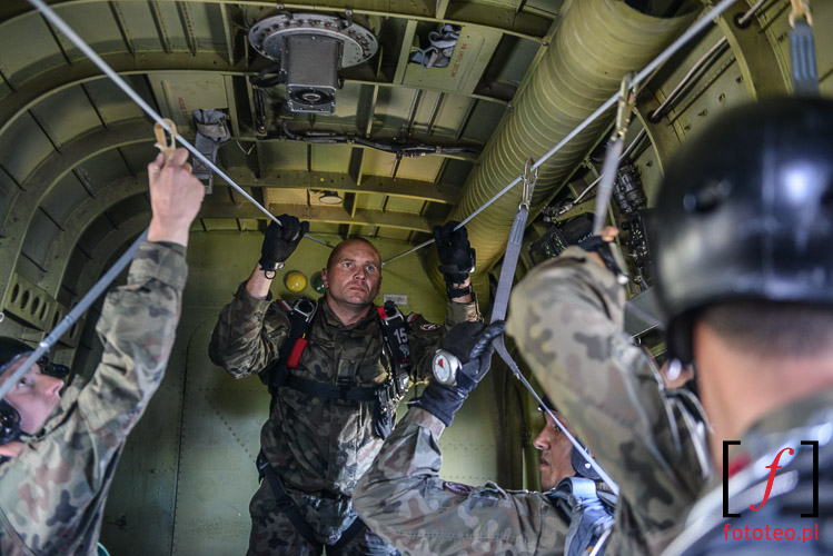 Odprawa przed skokiem spadochronowym Bielsko-Biala