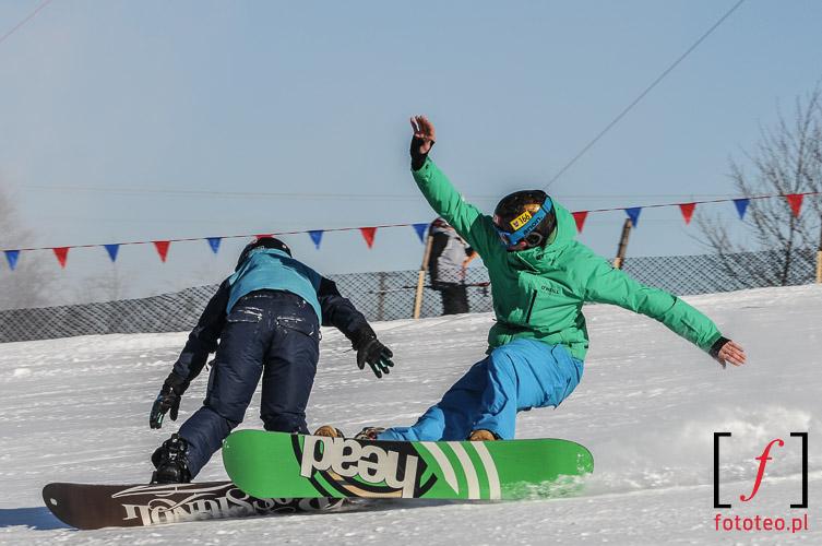 Zderzenie snowboardzistow snowboard crash