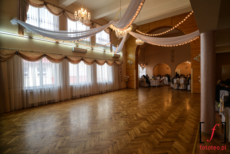 Wnetrze sali weselnej w Brzusniku kolo Zywca