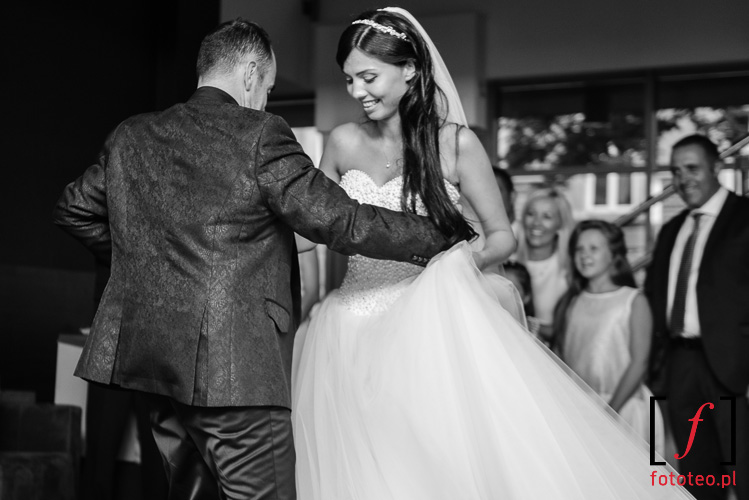 Fotografia pary mlodej na weselu
