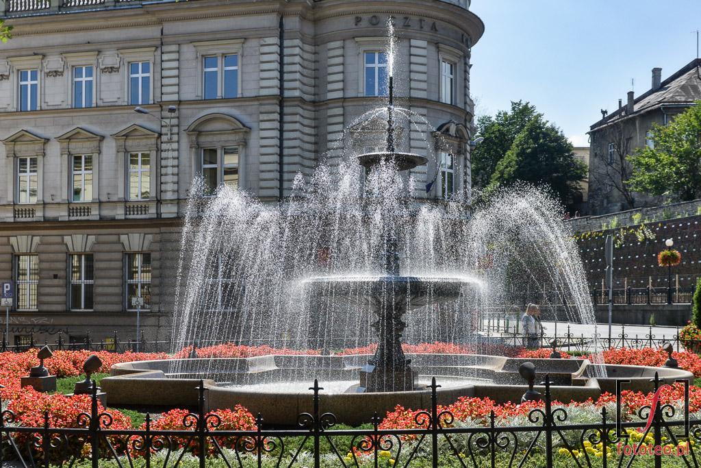 Fotograf Bielsko Biala: Fontanna przedTeatrem