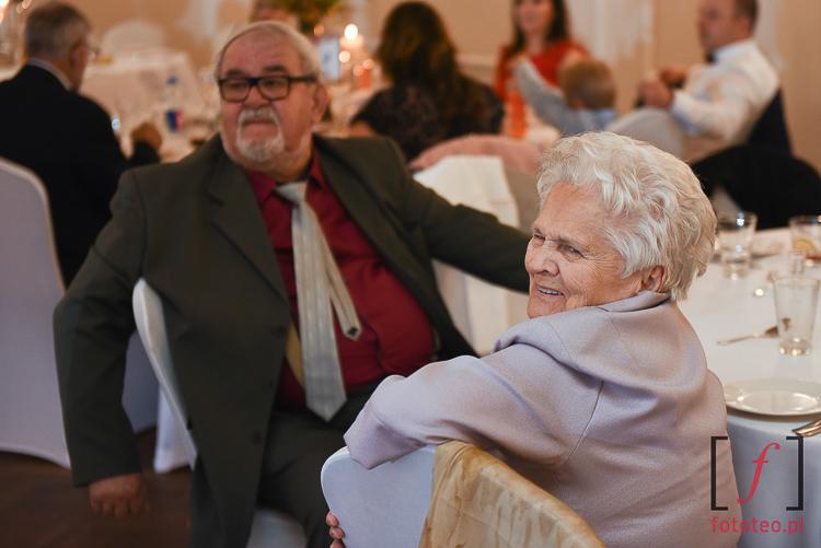 Dziadkowie podczas wesela