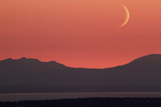 moon crescent sunset vancouver bc Canada