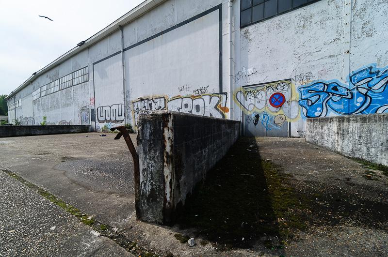 Vervallen fabriek langs Kanaalweg