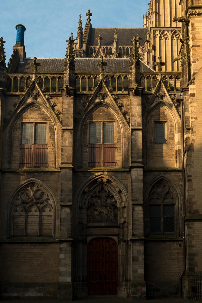 Domkerk, Achter de Dom