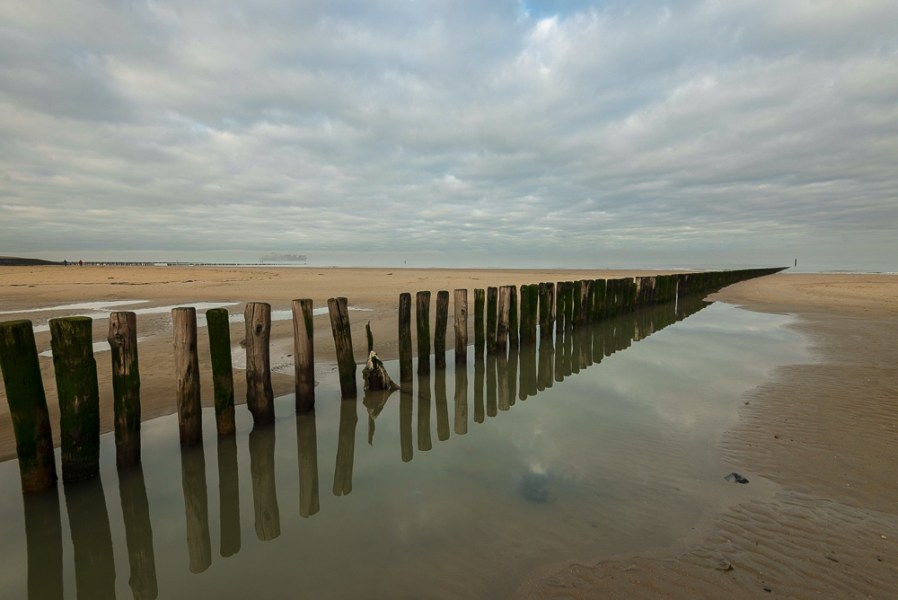 Strandhoofd Nieuwesluis bij eb