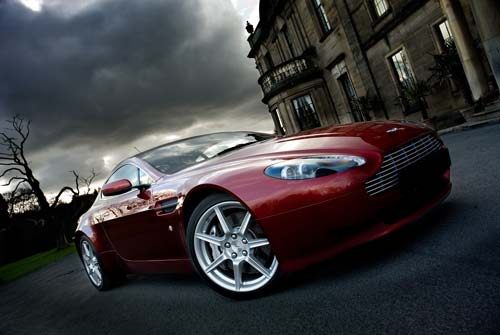 canvas OF ASTON MARTIN