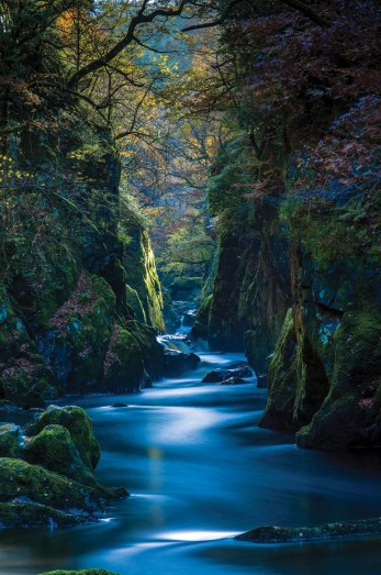 A long exposure adds a mystical quality to an autumnal Fairy Glen. Pentax K5, DA17-70 at 43mm, 137 sec @ f/11, ISO 80, Big Stopper, tripod. © Simon Kitchin