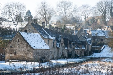 Arlington Row, Bibury, Nikon D700, Nikkor 24- 120mm at 92mm, ISO 200, 1/30s at f/13,. Tripod. February. © Sarah Howard