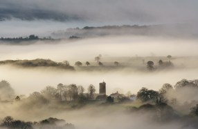 Celestial Veil, Ilsington, Dartmoor. Sony A7R Mark II, Canon 70-300 f/4-5.6L IS USM at 220mm, ISO100, 1/15sec, f11, Tripod, November. © Richard Fox.