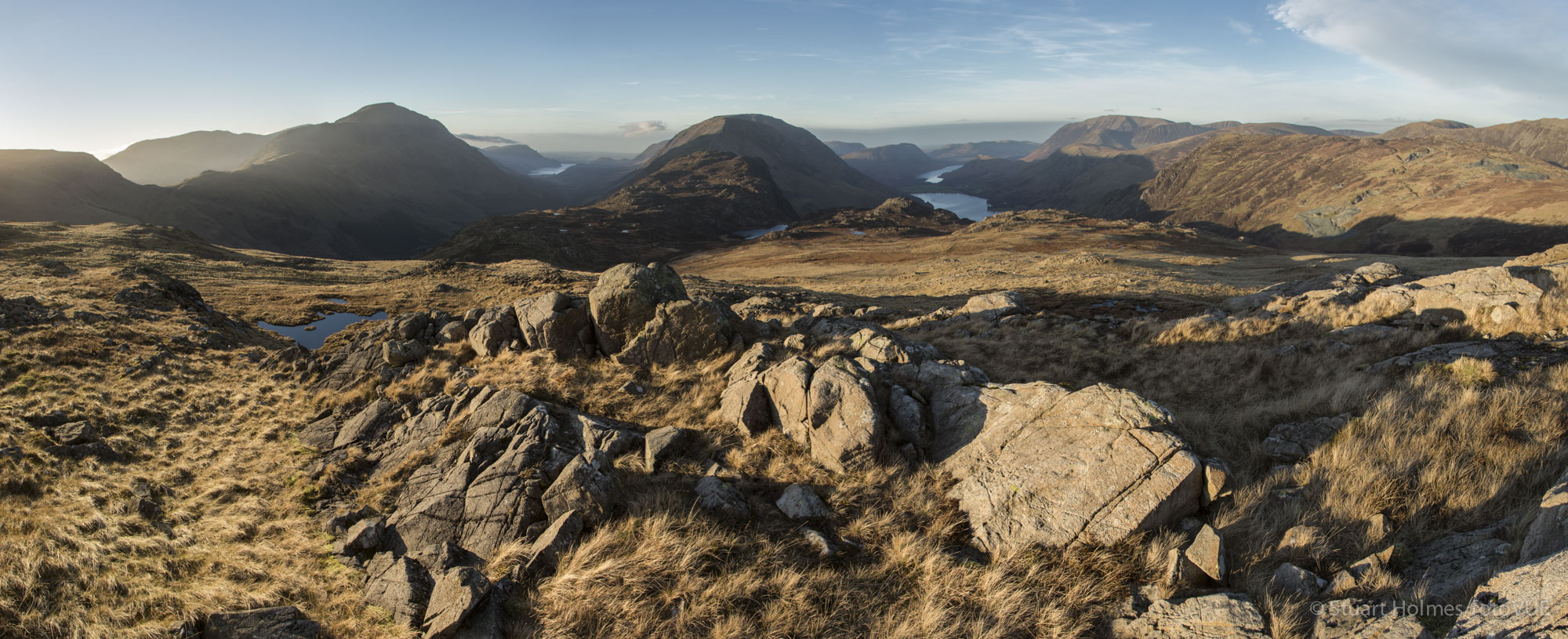 5-shot vertical panorama of the western fells including Buttermere and Ennerdale valleys. Taken from below Brandreth. Canon 5D Mk III, 24-105mm at 24mm, ISO 100, 1/60s at f/10, hand held. © Stuart Holmes.