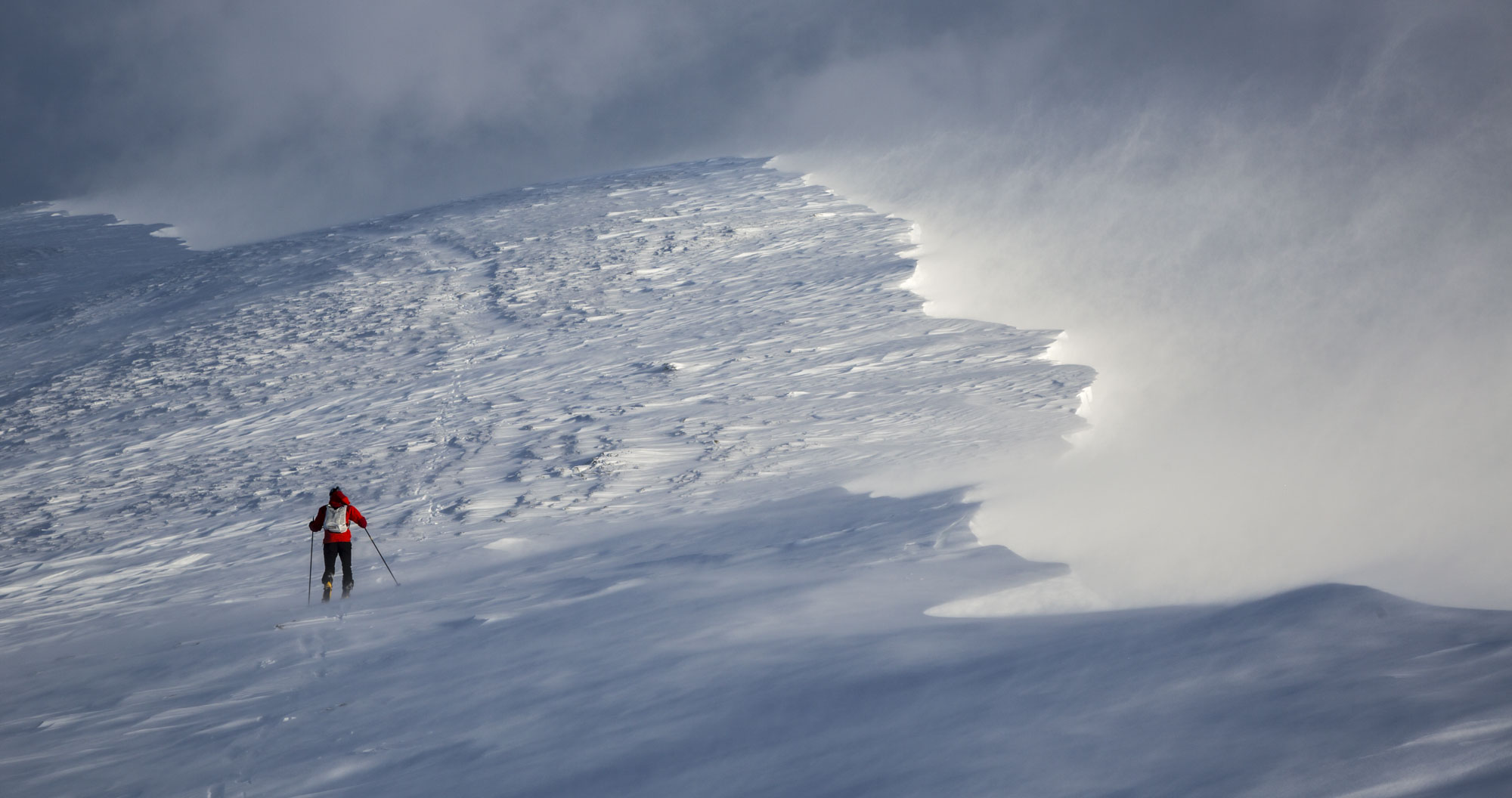 A skier braves windy conditions on top of Blencathra. Canon 5D MkIII, 24-105mm at 65mm, ISO 100, 1/640 sec at f/9, January. © Stuart Holmes.