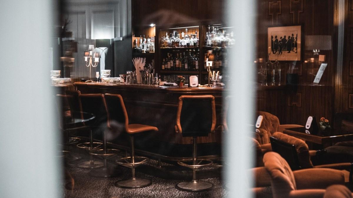 Photo of Empty Bar / Photo by Raphael Nast via Unsplash.com