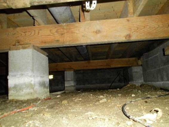 Crawl space free from humidity and odors in Lamar, MO