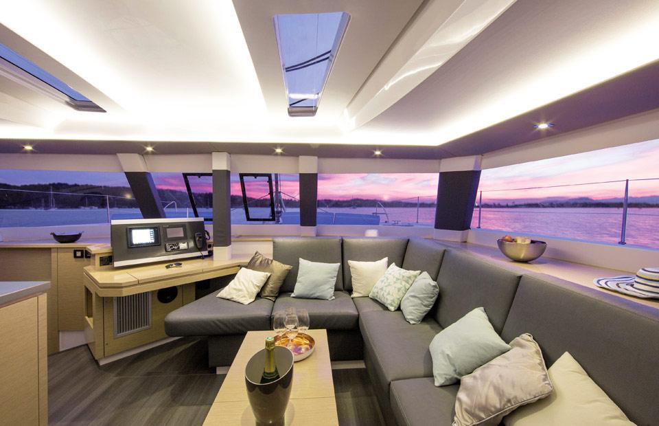 Fountaine Pajot Catamarans De Luxe Et Motor Yachts