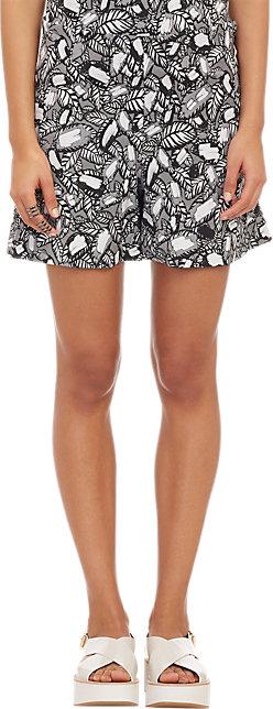 Tap skirt