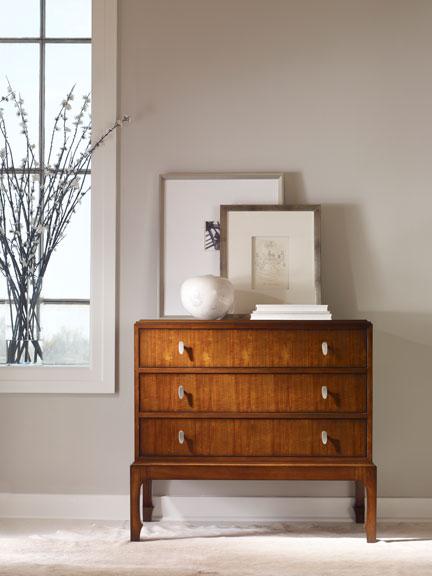 Thomas-OBrien-Walter-E-Smithe_desk-picture frames