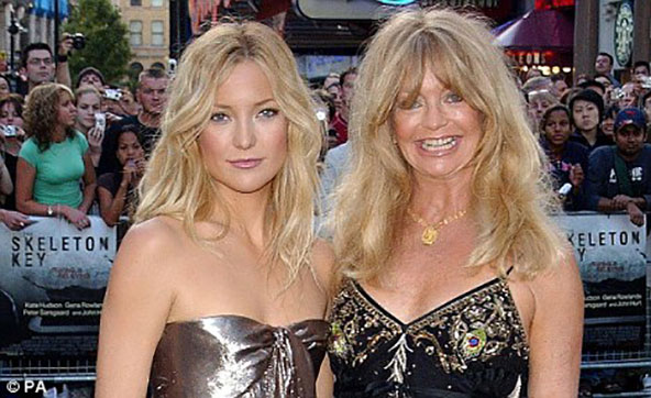 10 fashion mistakes that make you look older dress like daughter