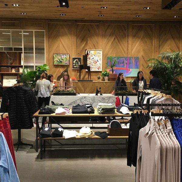 Aritzia 900 North Michigan Shops