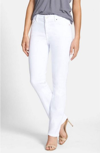 7 jean styles women over 40 should have white Jeans