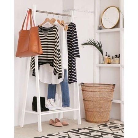 Top 10 Secrets Stylish Women Over 40 Know organize closet